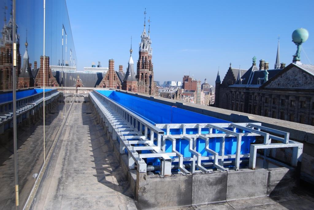 Zwembad op dak w hotel te amsterdam siem steur staalconstructies
